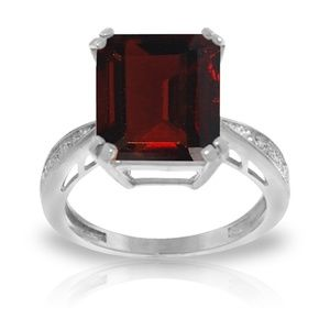 GOLD RING WITH NATURAL DIAMONDS & GARNET